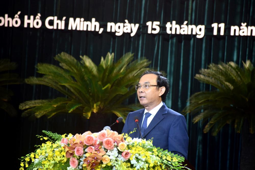 Bí thư Thành ủy TP.HCM Nguyễn Văn Nên phát biểu tại cuộc họp mặt sáng 15/11