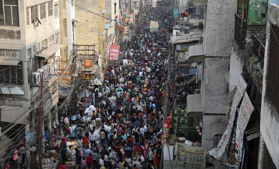 Hôm 13/11, người dân Ấn Độ đổ xô mua hàng trước lễ Diwali mặc cho lời kêu gọi giãn cách từ chính phủ.