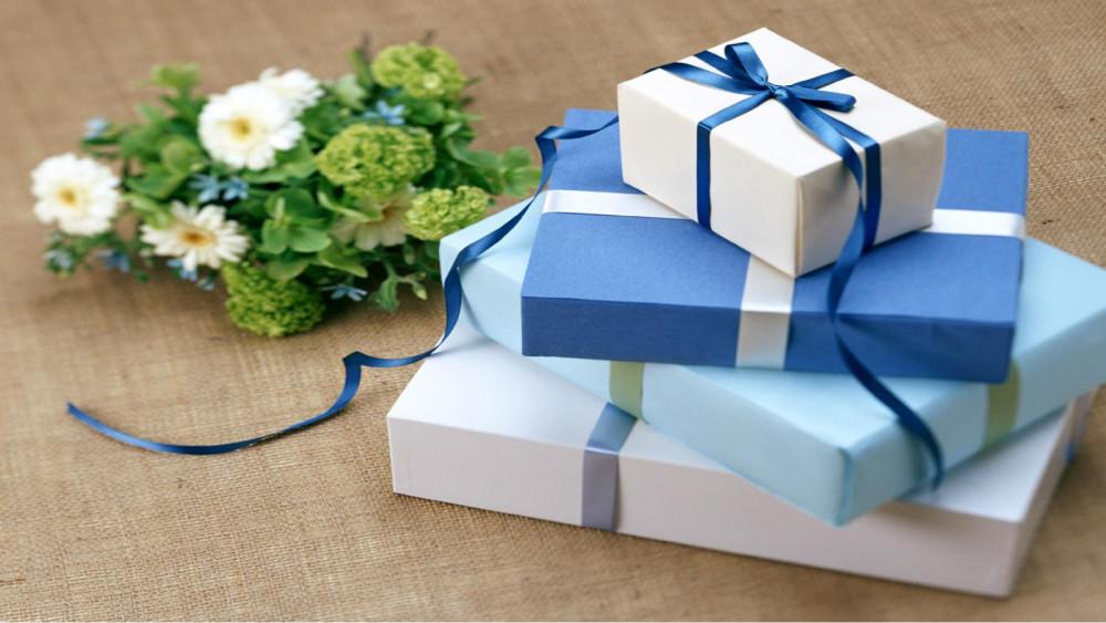 Quà tặng liệu có là thước đo? Nguồn ảnh: Internet