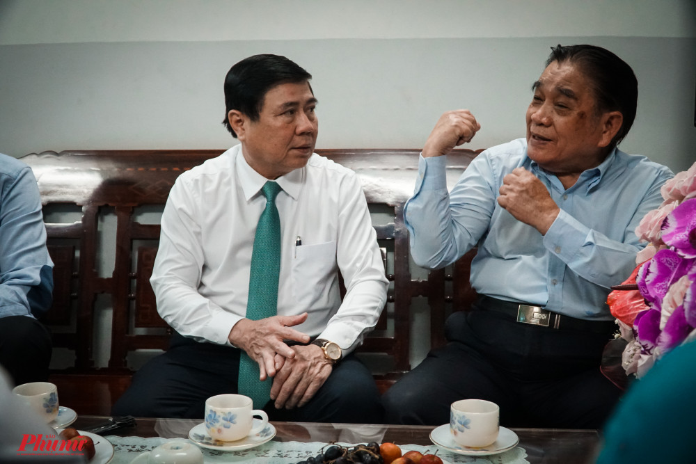 GS-TS Nguyễn Thanh Tuyền ôn lại kỷ niệm cùng Chủ tịch UBND Thành phố