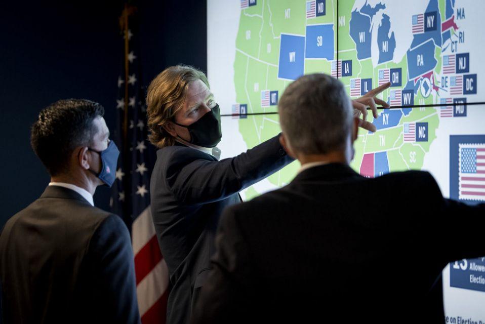 Chris Krebs, Giám đốc Cơ quan An ninh Cơ sở hạ tầng và An ninh mạng tại một cuộc họp của DHS về an ninh bầu cử vào ngày 17/9/2020 - Ảnh: USA Today