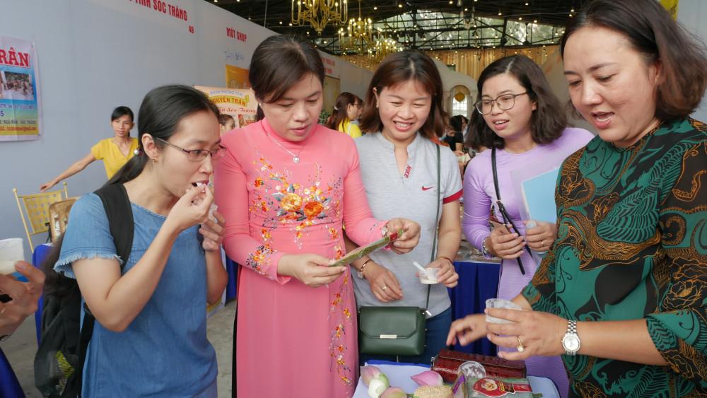 Các gian hàng tham gia ngày hội