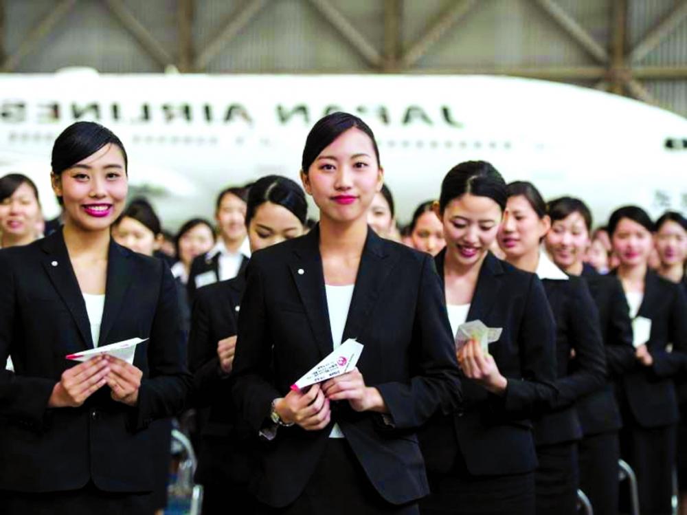 """Lời chào """"bình đẳng giới"""" hãng Japan Airlines triển khai với mọi đối tượng khách hàng được xem là một động thái đổi mới tư duy đáng ca ngợi - Ảnh: Getty"""