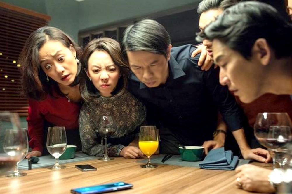 """Tiệc trăng máu đang trên đường """"hạ bệ"""" Gái già lắm chiêu 3 để lọt vào top năm phim Việt có doanh thu cao nhất mọi thời"""