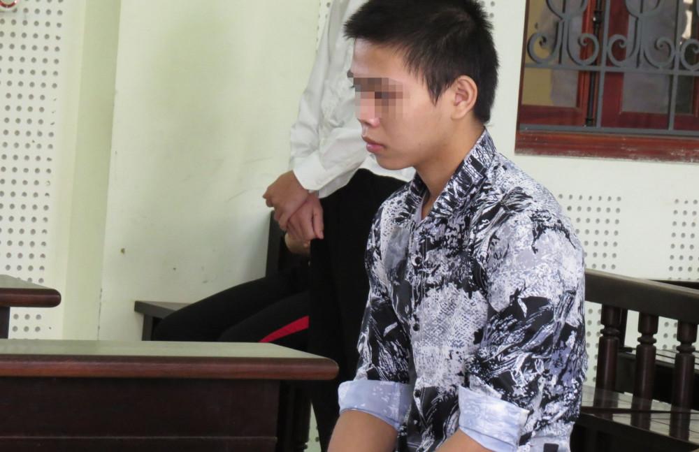 Hoàng bật khóc tại tòa khi nói lời xin lỗi tới gia đình nạn nhân