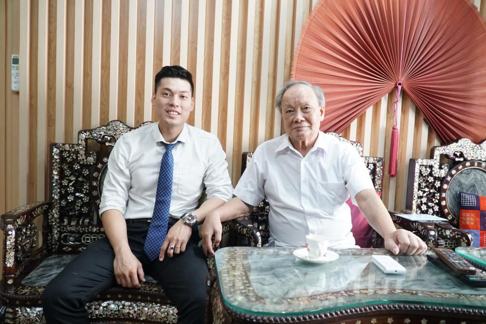 Phó Giáo sư, Tiến sĩ Lý Hòa đang sống cùng con cháu tại nhà riêng