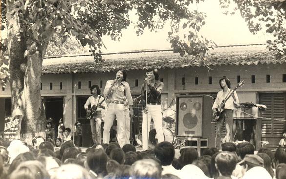 Nhàc sĩ Trần Tiến nổi tiếng với những chuyến du ca.