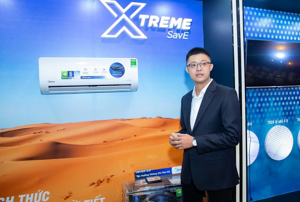 Ông Liêu Triều Văn - Phó tổng giám đốc Media, giới thiệu bộ 3 máy điều hòa Midea trong lễ ra mắt sản phẩmĐiểm neo