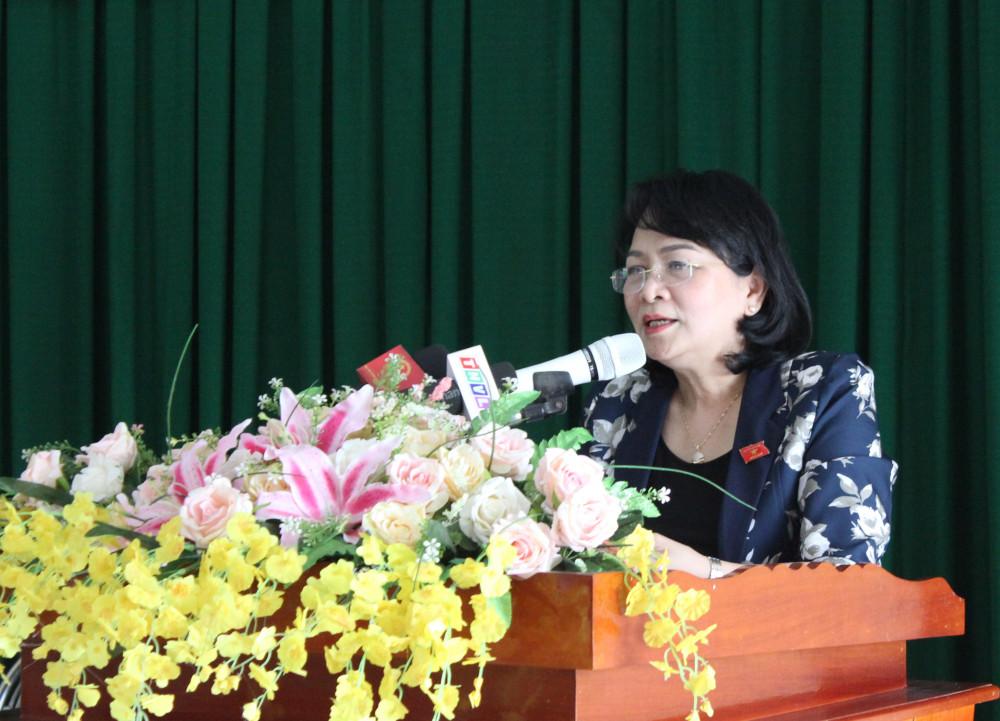 phó Chủ tịch nước Đặng Thị Ngọc Thịnh tại buổi tiếp xúc cử tri