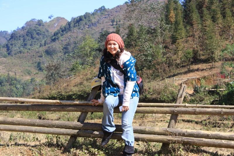 Chị Nguyệt trong chuyến đi xe máy lên Hà Giang cùng bạn bè ( Ảnh NVCC)