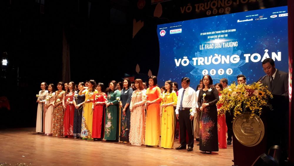 50 thầy cô giáo tiêu biểu nhận giải thưởng Võ trường Toản lần thứ 23