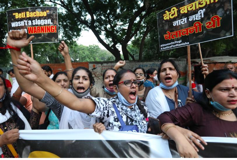 Phụ nữ Ấn ĐộNgười Dalits ở Ấn Độ biểu tình đòi công lý trên mạng sau vụ cưỡng hiếp tập thể tàn bạo, chê bai bạo lực dựa trên đẳng cấp