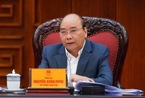 Thủ tướng Nguyễn Xuân Phúc chỉ đạo tại cuộc họp.