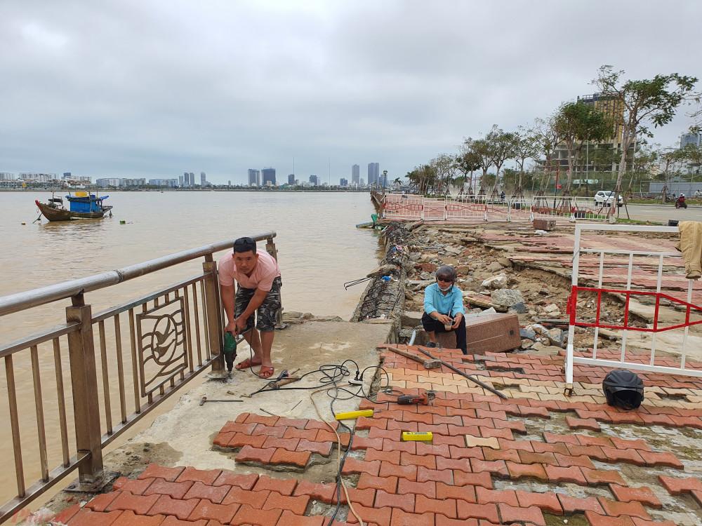 Bờ sông Như Nguyệt bị sóng đánh hư hỏng nặng