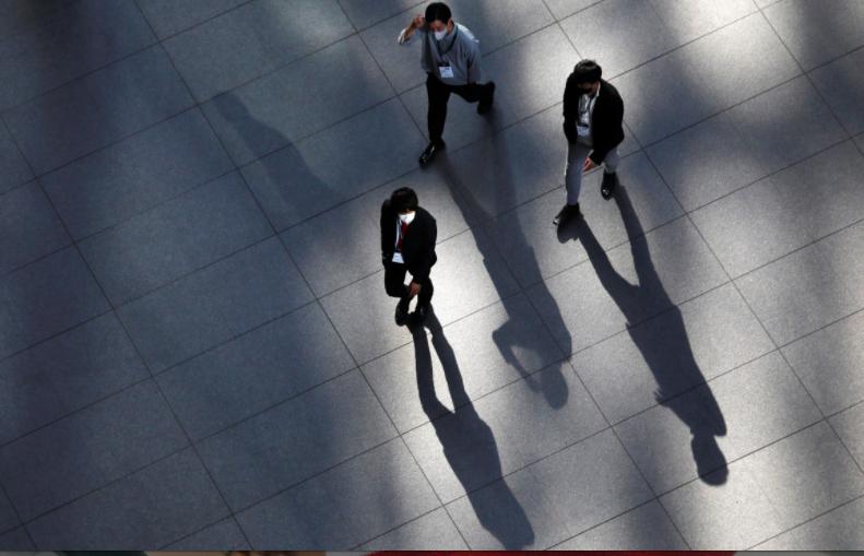 Số liệu thống kê về số người tự tử ở Nhật Bản đã giảm trước khi đại dịch Covid-19 xảy ra. Ảnh: Reuters