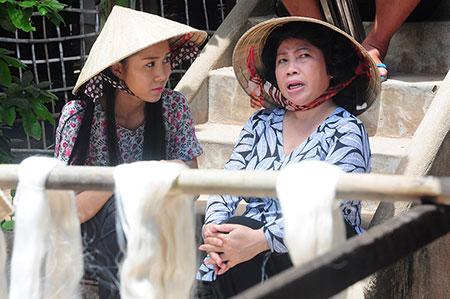 Biên kịch phim Mắt lụa đã dành rất nhiều thời gian tìm hiểu ngành deket lụa Tân Châu