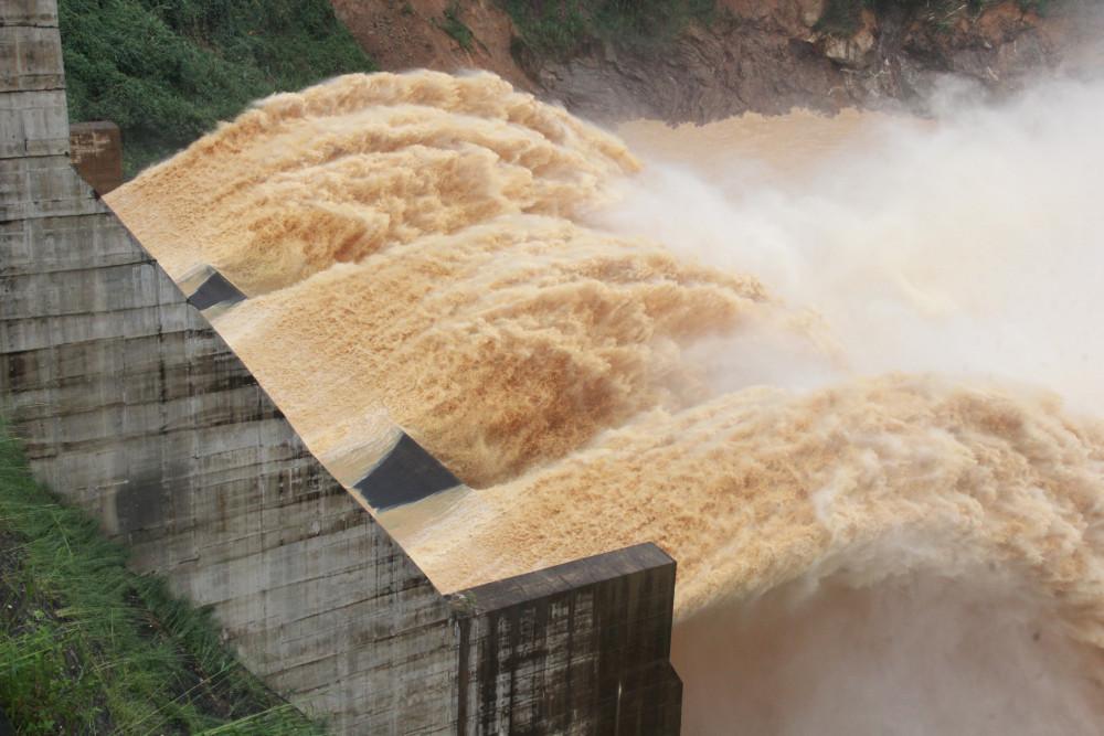 Sau 6 ngày kể từ khi ra Quyết định, UBND tỉnh Quảng Nam đã thu hồi để xem xét lại việc cho doanh nghiệp thuê đất làm thủy điện
