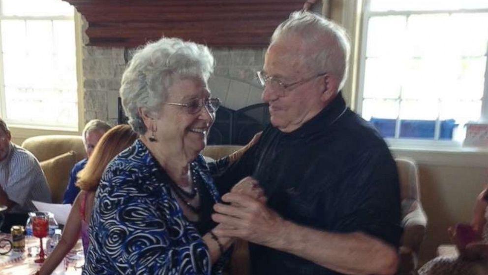 Ông Carmen và bà Mary - Ảnh: Gia đình Siciliano