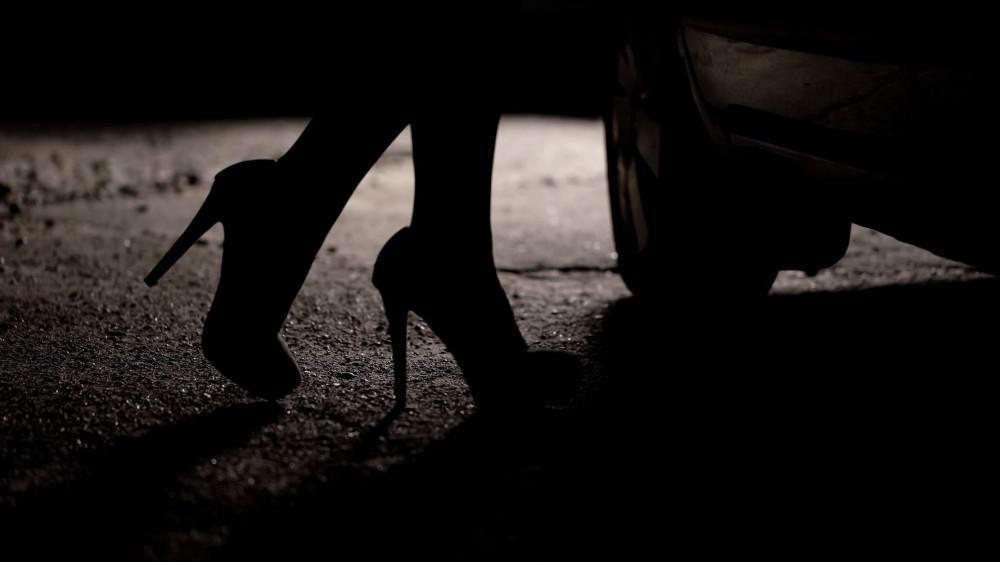 """Người hành nghề dịch vụ tình dục, người nhập cư và đa sắc tộc ở Anh thường bị xem nhẹ trên """"biểu đồ"""" tội ác giết hại phụ nữ. (Ảnh: HuffPost)"""