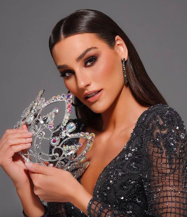 Cận cảnh nhan sắc Hoa hậu Trái đất 2020