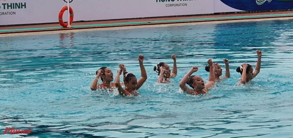 Chương trình biểu diễn bơi nghệ thuật