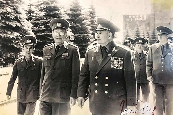Bộ trưởng Quốc phòng, Đại tướng Lê Đức Anh trong chuyến thăm Liên Xô tháng 6/1989