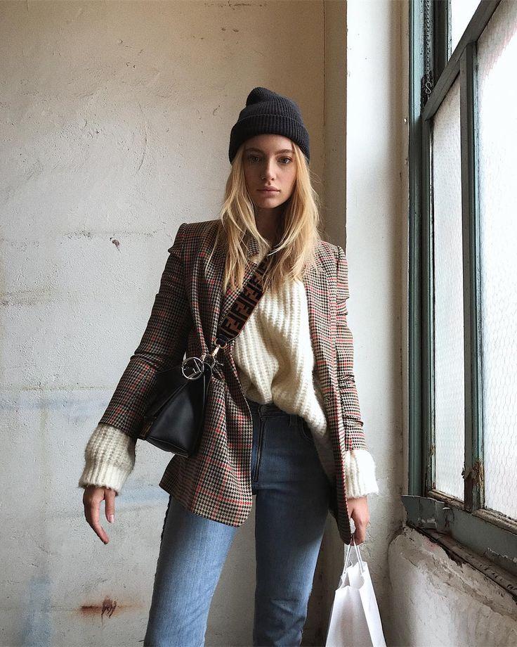 3. Áo len + quần skinny jeas + blazer: