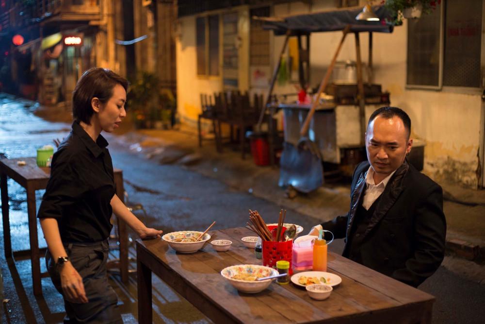 Thu Trang và Tiến Luật trong một cảnh trên phim Chị Mười Ba phần 2.