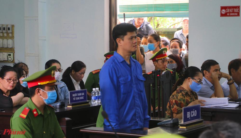 Hội đồng xét xử (HĐXX) TAND TP.Huế đã  đưa ra quyết định trả hồ sơ vì thiếu chứng cứ buộc tội bác sỹ Phương