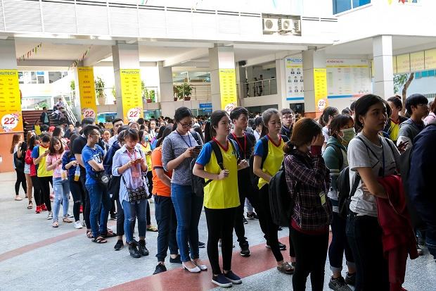 Hơn 30.000 sinh viên trường ĐH Công nghệ TP.HCM nghỉ học phòng chống COVID-19