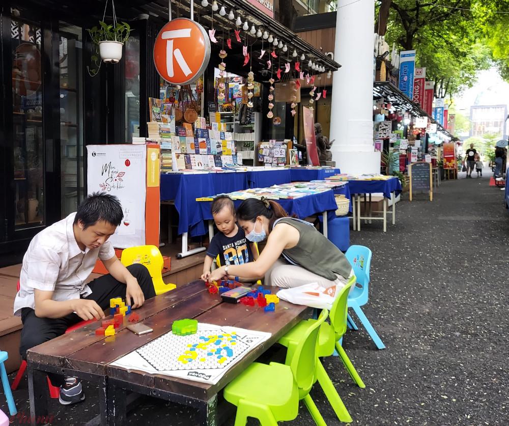 Đường sách TPHCM, không gian văn hóa công cộng là điểm nhấn văn hóa của TPHCM