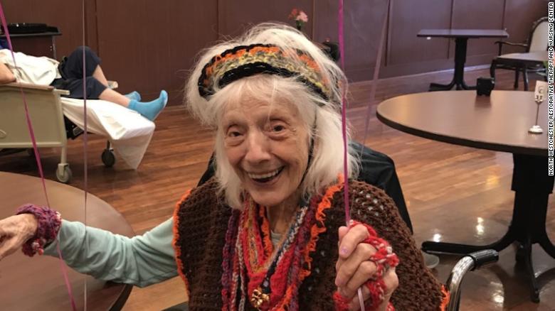 Cụ bà Angelina Friedman mừng sinh nhật lần thứ 101 năm 2019 - Ảnh: CNN