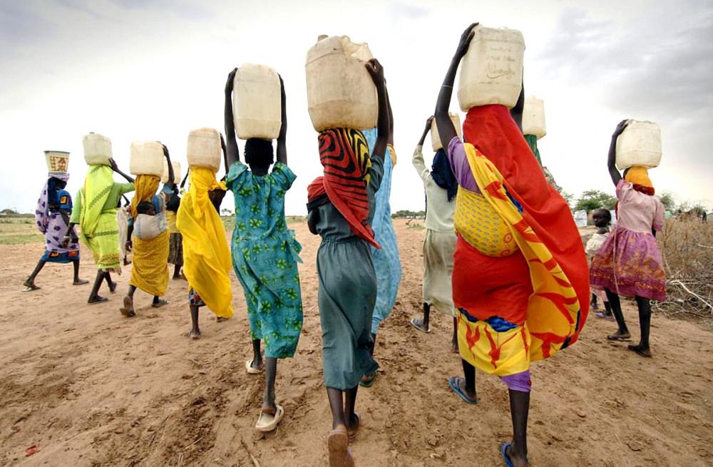 Trong tổng số 308 triệu thiếu nữ châu Phi, chỉ có một trên năm em có cơ hội học đến bậc trung học Ảnh: Global Justice Now