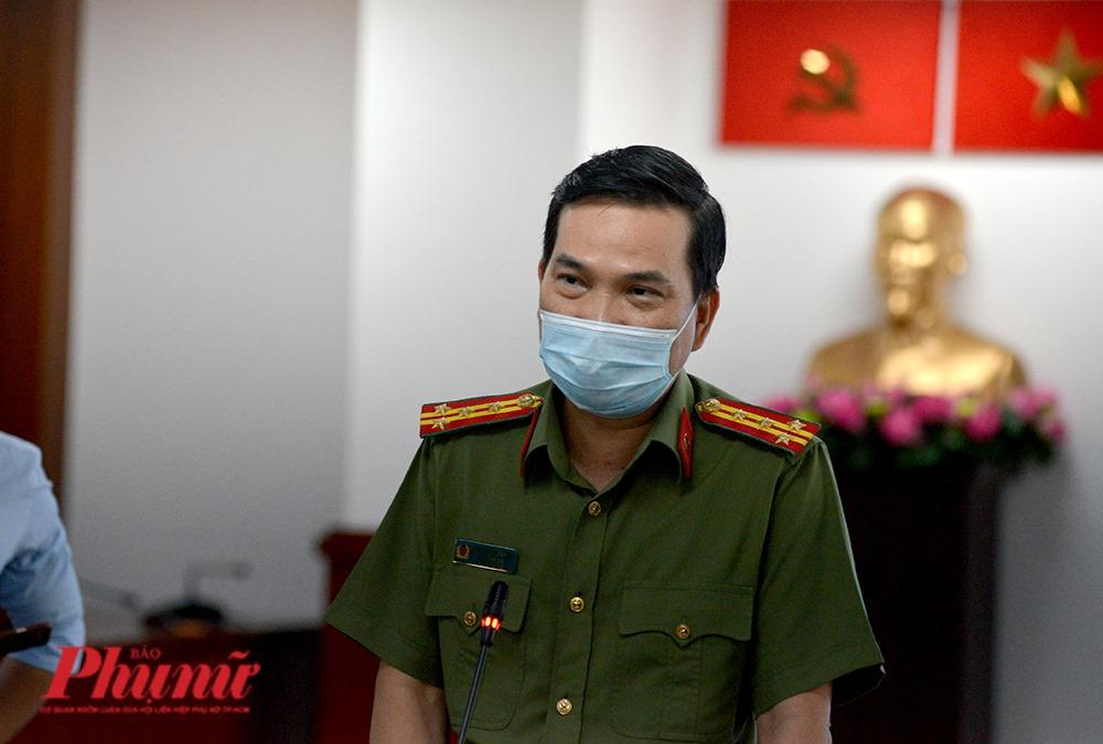 Đại tá Nguyễn Sỹ Quang - Phó GĐ Công an TPHCM tại buổi họp báo