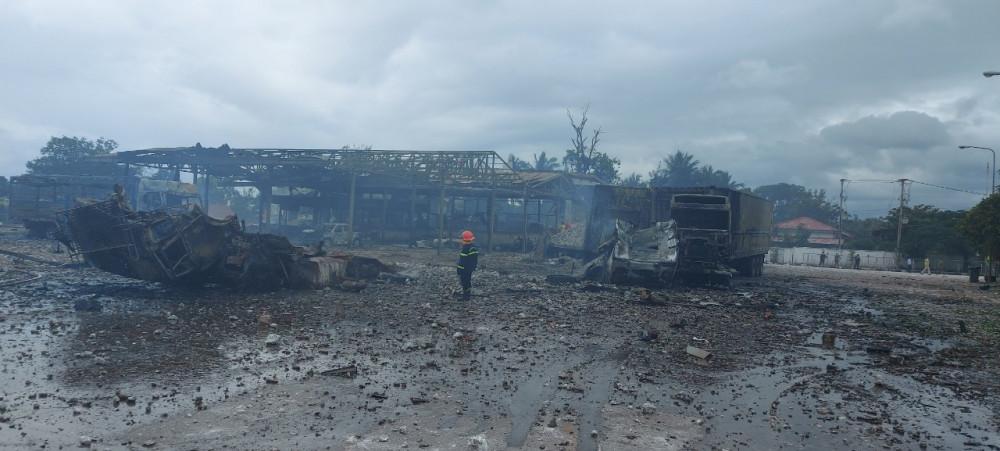 Hiện trường sau vụ cháy tại cửa khẩu quốc tế Densavan (Karol, huyện Sê Pôn, tỉnh Savannakhet Lào)