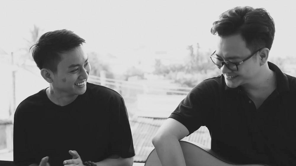 Nhạc sĩ Nguyễn Minh Cường (bên phải) và ca sĩ Hoài Lâm. Năm 2020 là năm thành công của nam nhạc sĩ khi ra mắt nhiều ca khúc được giới trẻ yêu thích.