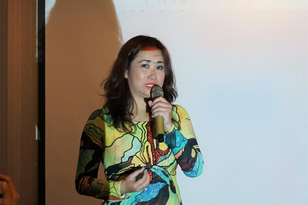 Nghệ sĩ Viola Nguyệt Thu cho biết 50% số tiền thu được từ các đêm diễn Thế giới nước se được trích ra để hỗ trợ đồng bào miền Trung.
