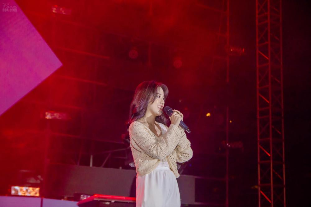 Từng có bài hit nhưng nhận định sai về thị trường khiến Linh vấp ngã