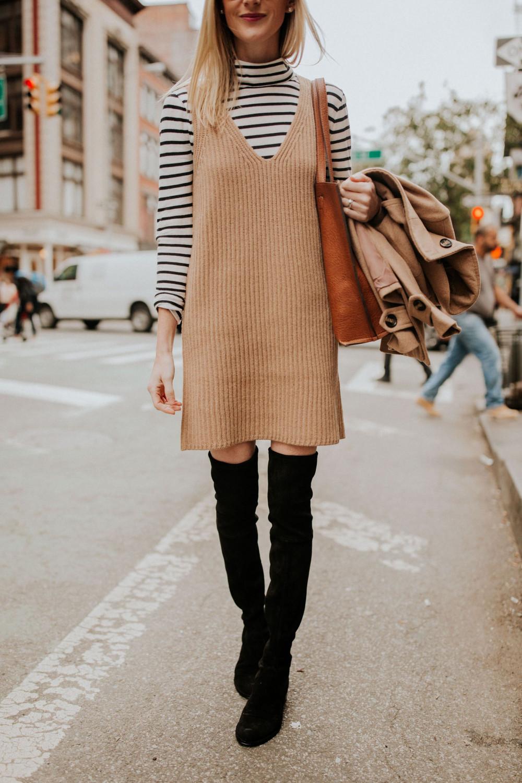 4. Áo thun tay dài + váy len dạng yếm: