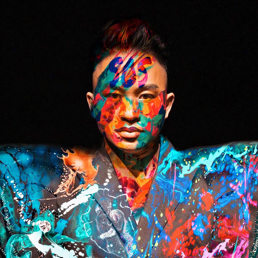 Tùng Dương xuất hiện với hình ảnh khá đặc biệt trong album Human.