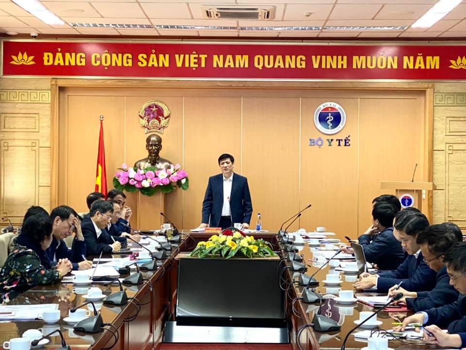 Sáng ngày 5/12, GS. TS  Nguyễn Thanh Long- Bộ trưởng Bộ Y tế đã chủ trì cuộc họp báo cáo tình hình nghiên cứu sản xuất vắc xin COVID-19 trong nước.