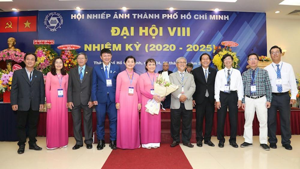 BCH mới ra mắt tại Đại hội Khoá 8