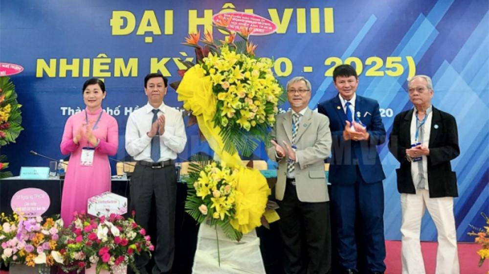 Đại hội khoá 8 của Hội Nhiếp ảnh TPHCM bị nhiều hội viên phản ứng dữ dội.