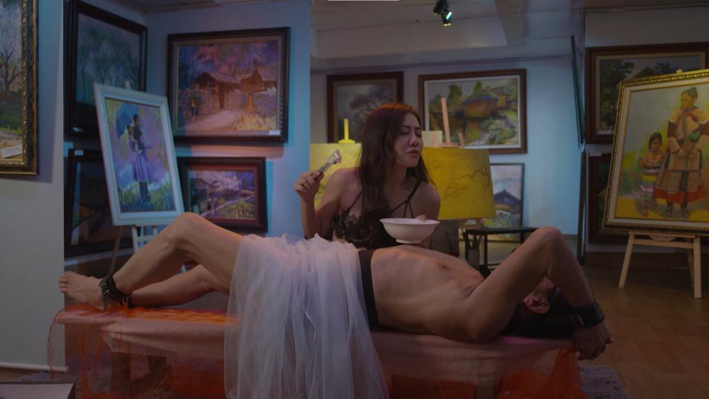 Hình ảnh trong phim Gái ngàn đô. Sau mùa 1, phim đang thực hiện mùa 2.