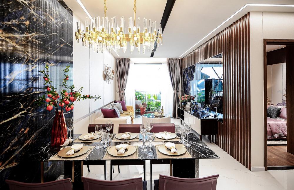 Có diện tích khoảng 85m2, căn hộ 3 phòng ngủ Opal Skyline có thiết kế hiện đại với logia rộng liên thông với các khu vực sinh hoạt chung