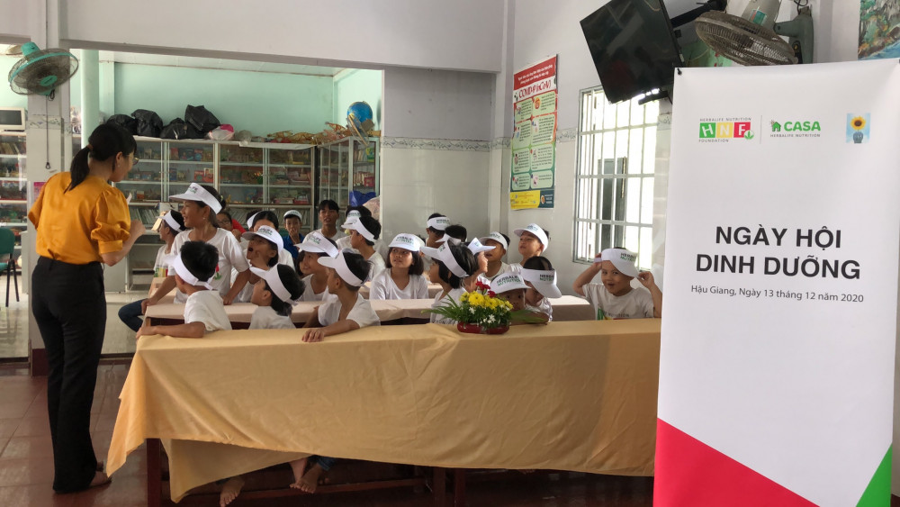 """Chương trình """"Ngày hội dinh dưỡng"""" tổ chức tại Nhà nuôi trẻ Hướng Dương ngày 13/12. Ảnh: Herbalife Việt Nam cung cấp"""
