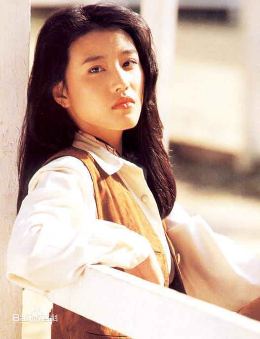 Không sở hữu nhan sắc quá nổi bật nhưng bù lại Châu Hải My khiến khán giả nhớ đến nhờ nét đẹp tươi trẻ và ánh nhìn làm đắm say lòng người.