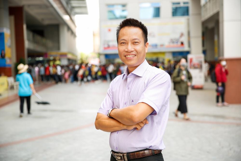 Giáo sư Nguyễn Xuân Hùng