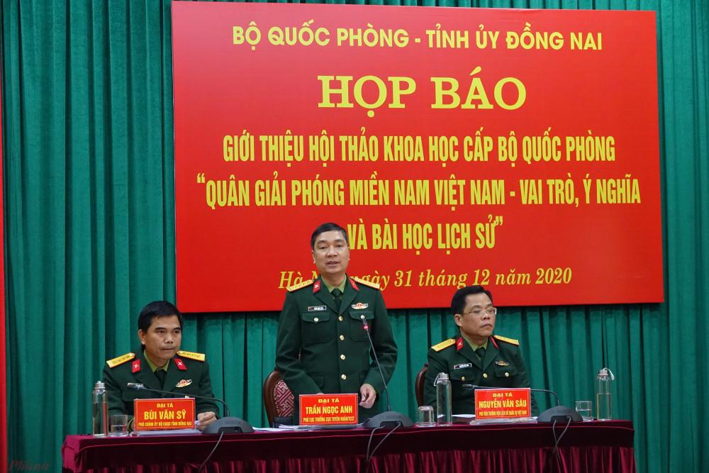 Đại diện các đơn vị của Bộ Quốc phòng phụ trách chủ trì cuộc họp báo.