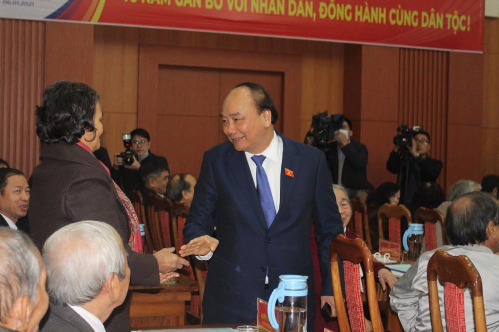 Thủ tướng Nguyễn Xuân Phúc bày tỏ lòng biết ơn đối với các lãnh đạo, cán bộ hưu trí đã tạo điều kiện cho mình khi còn đang còn công tác tại tỉnh Quảng Nam
